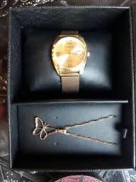 Vendo relógio com cordão