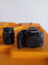 Câmera Fotográfica Canon EOS Rebel T3i