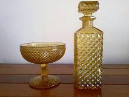 Garrafa Whisky ou Licoreira e Bombonier Antiga Bico de Jaca