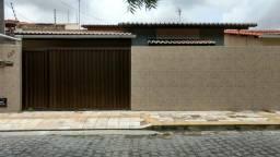 Excelente casa em Emaús