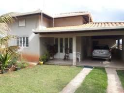 Linda casa no bairro Canarinho em Igarapé