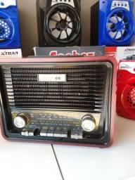 Rádio AM/FM Retrô com Usb