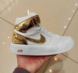 Tênis Nike Air Jordan + bolsa a pronta entrega