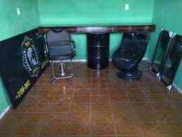 Máquina de corte e equipamentos p/ barbearia