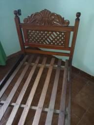 - 1 cama de solteiro