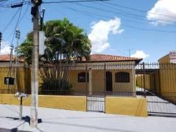 Casa com 3 dormitórios à venda, 108 m² por R$ 210.000 - Altos do Coxipó - Cuiabá/MT