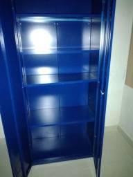 Armário em Aço Azul. Bem conservado