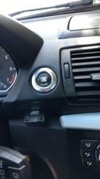 Vendo BMW I120I bem conservada, pneus novos
