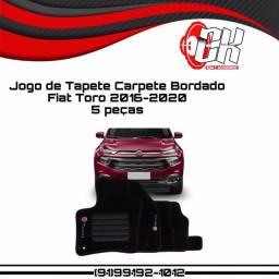 Jogo de tapete carpete bordado Fiat Toro 2016 a 2020 preto grafia bordado 5 peças