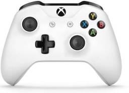 Título do anúncio: Xbox one com do controle e só uma pequena falha no leitor de CD