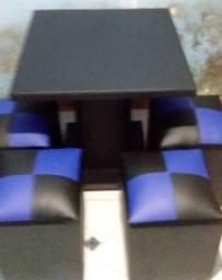 Título do anúncio: Jogo mesa com 4 puff 280$ entrega gratis