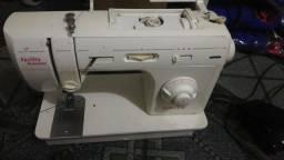 Máquina de costura singer Premium usada