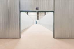 Título do anúncio: Galpão/Depósito/Armazém para aluguel possui 112 metros quadrados em Rebouças - Curitiba -