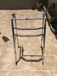 Andador com rodas Mercur em alumínio dobrável