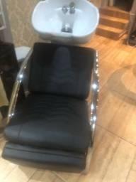 Lavatório e cadeira de cabeleireiro