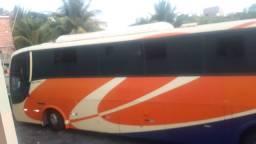 Ônibus g6 toco O500 ano 2006  46 lugares , banheiro . Ar condicionado