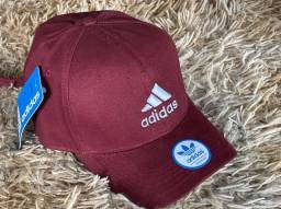 Bonés da Adidas R$ 45,00