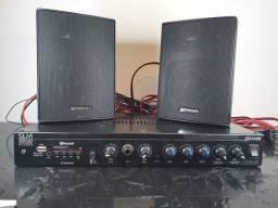 Amplificador de som multicanal