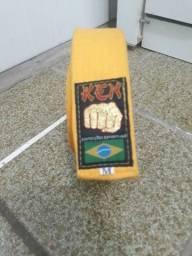 Faixa de karatê amarela