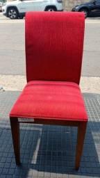 Título do anúncio: Cadeira Estofada Vermelha