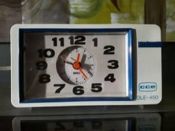 Rádio relógio relíquia