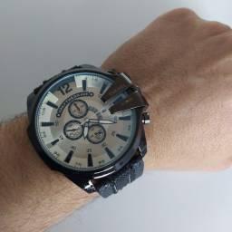 Título do anúncio: Relógio Diesel - R$ 145 - ENTREGA GRÁTIS