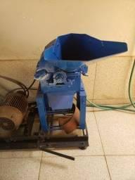 Triturador/ Siladeira e motor