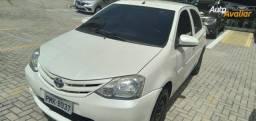 Toyota Etios 1.3 X 15-15 Branco