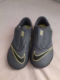 Título do anúncio: Chuteira infantil Nike
