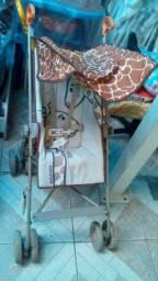 Carrinho passeio guarda-chuva girafa, usado cm marcas normais