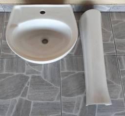 Pia de banheiro em perfeito estado - parcelo