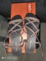 Sandália sonho dos pés nunca usada número 34