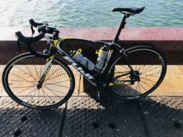 Título do anúncio: Bike speed Fuji carbono