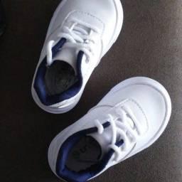 Título do anúncio: Tênis baby tricae
