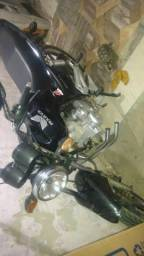 Vendo essa moto ai aceito troca tabem - 2013