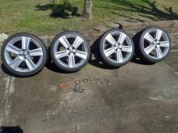 Rodas 17 com pneus Kumho
