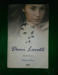 Vendo livro Demi Lovato 365 dias do ano staying strong
