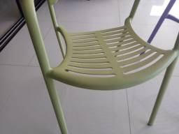 Cadeiras em ferro super resistente