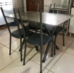 Vendo mesa granito 4 cadeiras