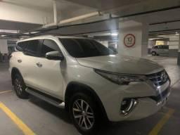 Toyota Hilux SW4 SRX 7 lugares 2020
