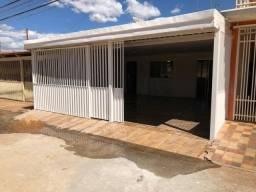 Casa 3 quartos em Ceilândia com duas suítes