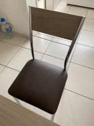 Vendo mesa seminova com 4 cadeiras! 400,00