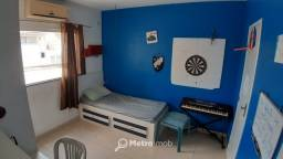 Casa de Conjunto com 3 quartos para alugar, por R$ 2.700/mês - Parque Athenas - CM
