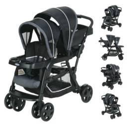 Carrinho duplo de bebê importado + 1 base e bebê conforto