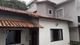 Casa de 3 andares com piscina 3 quartos direto com proprietário !!
