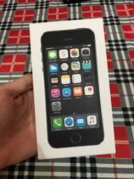 iPhone SE usado caixa