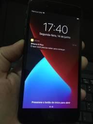 IPhone 8 plus 64GB em muito bom estado em até 6X