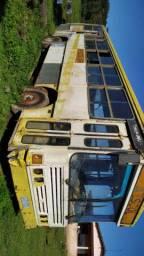 14 mil  Ônibus para aproveitar as peças