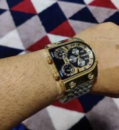 Relógio de luxo a prova dágua. Americano