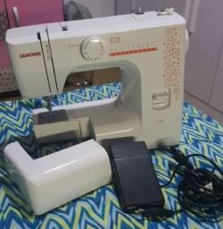 Título do anúncio: Máquina de costura Janome 1006